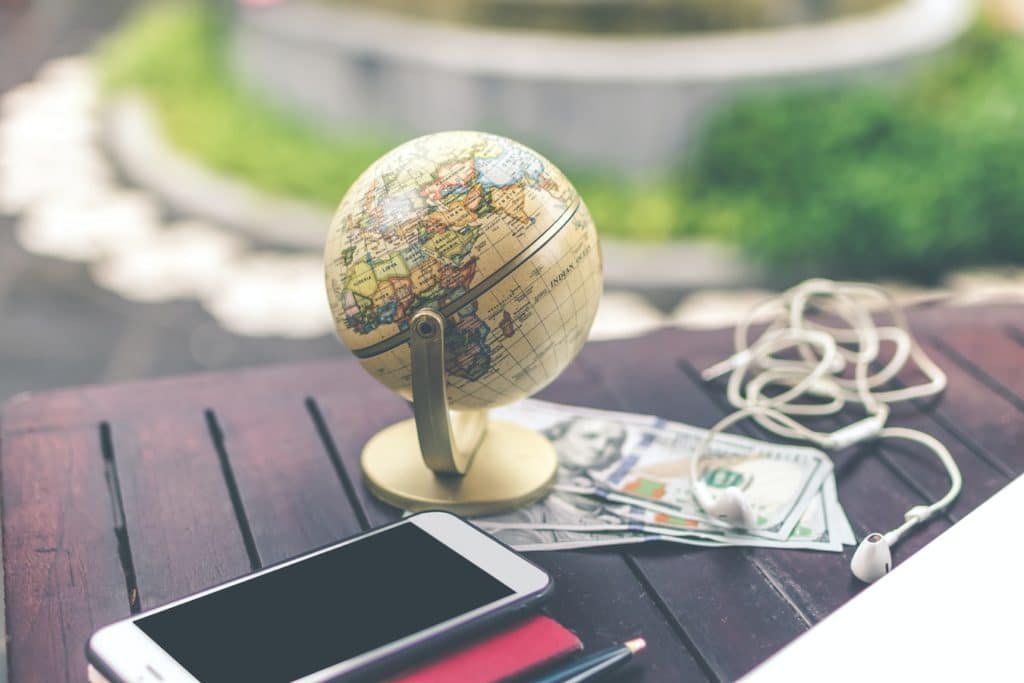 Global marketing guide to expand your business internationally, from market research to localization and social media techniques.