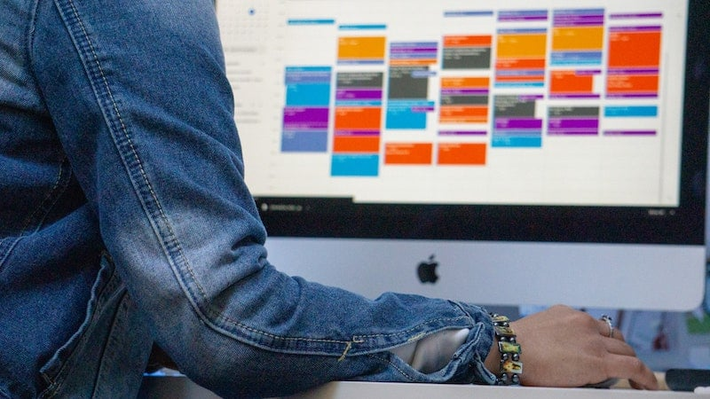 Color-coding your planner is one of the best calendar management tips