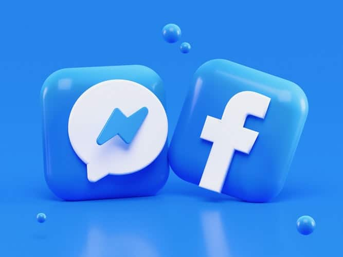 Image of a Facebook logo, in an article to help you discover the main benefits of local social media accounts for businesses, plus the main setbacks. Decide what's right for you.